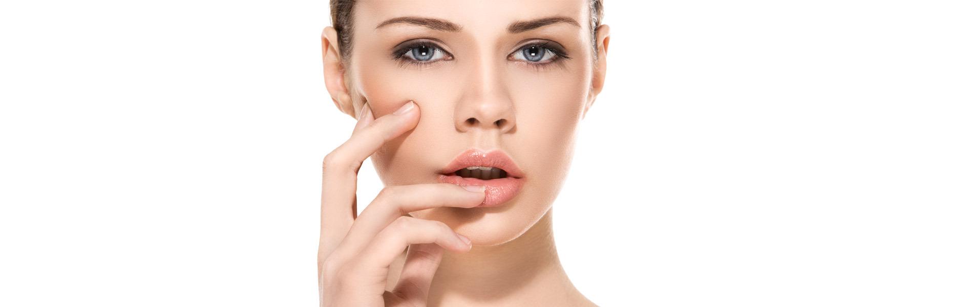 All about Lips: Lip Volume με Υαλουρονικό Οξύ για πιο γεμάτα χείλη